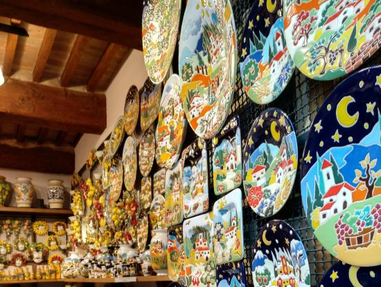 サン・ジミニャーノの風景のお皿