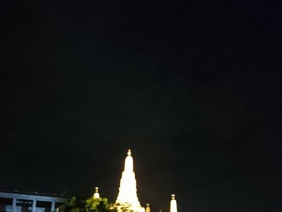 ライトアップの寺院