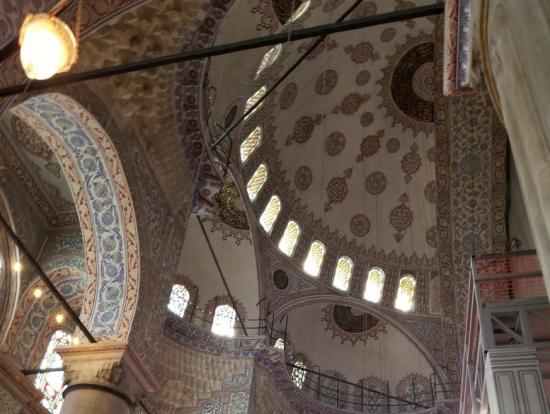 モスク内部天井