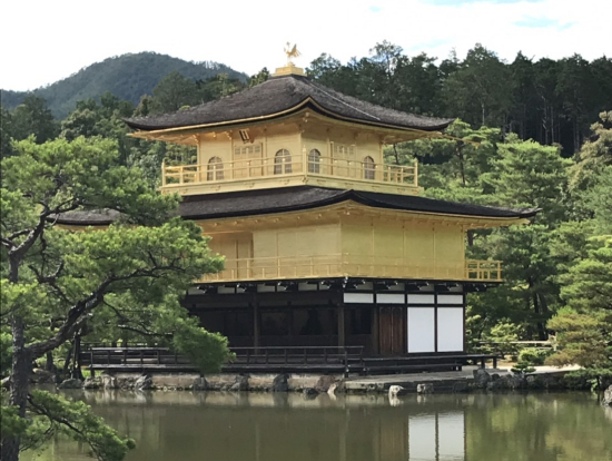優雅な金閣寺