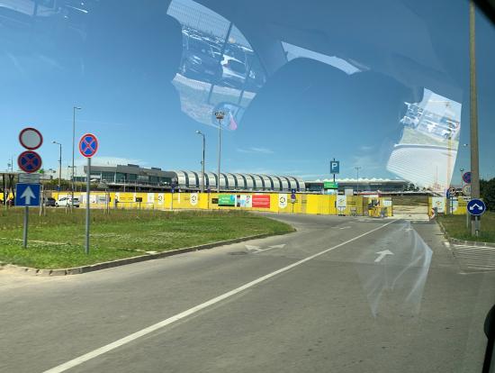 安全運転で安心して空港まで行けました