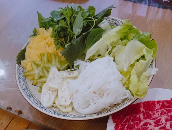 ベトナム風しゃぶしゃぶは日本とは違うので食べて違いを感じてください