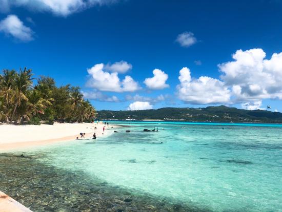 船で行き、マニャガハ島へ上陸