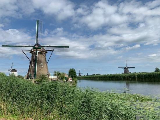 ボートからキンデルダイクの風車