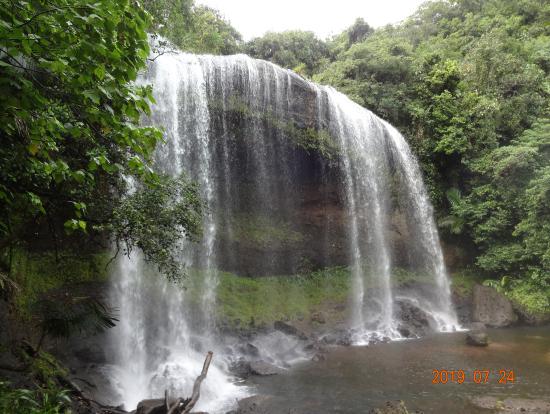 ガラスマオの滝(15m)