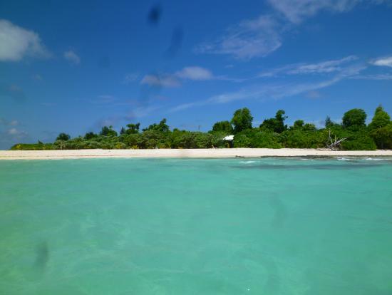 カヤンゲル島周辺の海