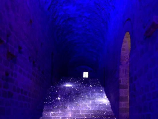 夜の修道院