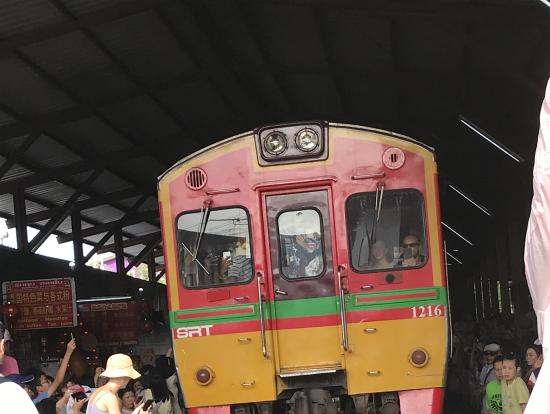 メークロン電車